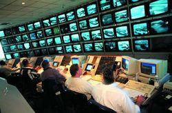 Эксперты о решении мэрии Москвы установить слежку по сигналу мобильника