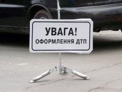 На Киевщине автобус столкнулся с деревом