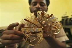 Индийские власти повысили налог на импорт золота