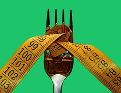 17 лет жизни женщины уходит на диету