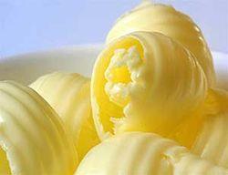 Диетологи США сравнили вред маргарина и сливочного масла