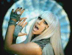 Леди Гага из-за болезни прерывает мировое турне