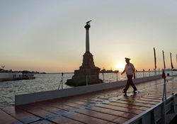 На майские севастопольцам обещают бесплатный алкоголь и проезд