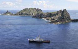 Флот Китая выдавливает японские корабли из зоны спорных островов