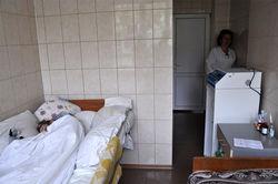 Саша Попова теперь находится в специально оборудованной палате