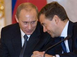 Конфронтация между Медведевым и Путиным обостряется