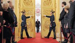 Оппозиционеры призывают Путина мирно оставить власть