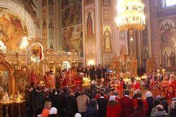 Почему киевляне проигнорировали ночную пасхальную службу в этом году