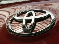 Эксперты: причины успешных продаж Toyota в мире