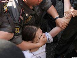 В России задержанных на Чистых прудах митингующих начали отпускать
