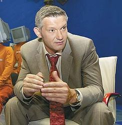 Иван Усачев стал невыездным из-за долгов