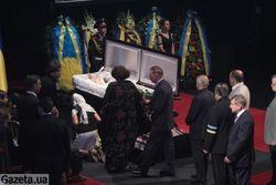 Завершилось прощание с Богданом Ступкой в театре им. Франко