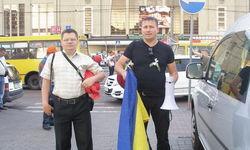 """В Алчевске произошла драка между """"ударовцами"""" и избирателями"""