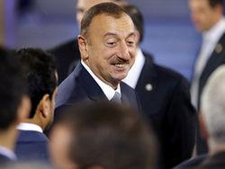 Ильхам Алиев призвал чиновников и их родственников быть скромнее