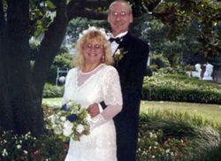 PR: Пара из США установила мировой рекорд по количеству свадеб