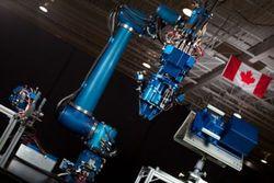 Спутники на околоземной орбите будут ремонтировать роботы Canadarm