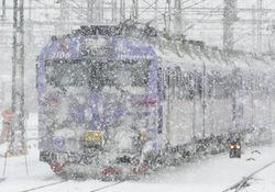 Снегопад отрезает Киев от внешнего мира