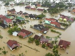 Число жертв от наводнения на Кубани растет