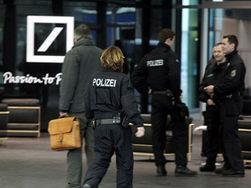 Полиция вновь провела обыск в центральном офисе Deutsche Bank