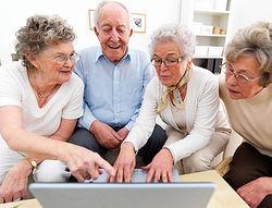 Facebook назвали развивающей игрой для пожилых людей