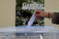 На выборах в Греции победили сторонники курса сбережения