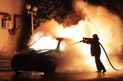 В Киеве за ночь подожгли три автомобиля
