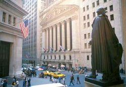 В 2012 году бонусы на Уолл-стрит вырастут. Но не до докризисного уровня