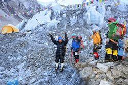 Одноногая индианка поднялась на вершину Эвереста
