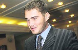 Виктор Янукович-младший: не стоит водителям штурмовать МРЭО из-за новых прав