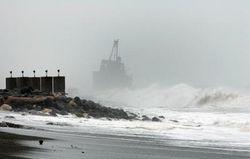 Ураган в Крыму продолжается: жители опасаются новых разрушений