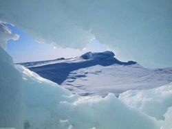 """Ученые о феномене """"солнечного снега"""" и угрозе для Арктики"""