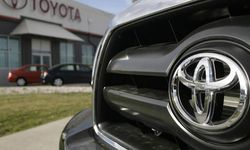 Инвесторам: Тойота стала лидером продаж автомобилей