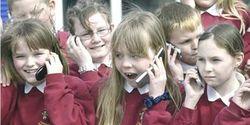 В узбекских школах и ВУЗах запретят пользоваться «мобилками»