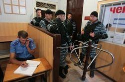 Трем подозреваемым во Врадиевке вручили подозрение в совершении покушения на убийство