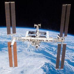 МКС оборудуют системой быстрого реагирования на космический мусор
