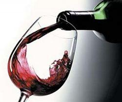 Эксперты назвали причины двукратного падения выпуска вина в России