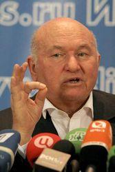 Лужков решение о расширении границ столицы считает поспешным
