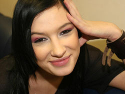 Анастасия Приходько завершает недолгую карьеру певицы