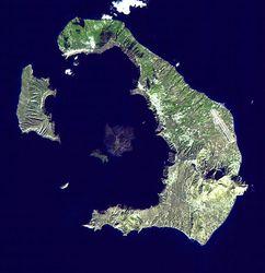 """Геологи нашли гигантский """"пузырь"""" магмы под супервулканом Санторин"""