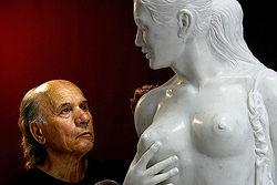 Почему Волочковой не понравилась ее обнаженная статуя?