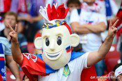 В Польше были задержаны российские фанаты с накладными усами