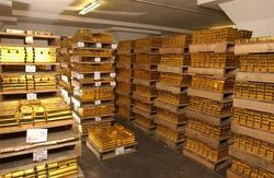 HSBC: золото достигнет 1900 долларов к концу 2012 года