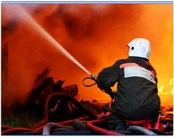 С 5 утра в Мариуполе горят продсклады