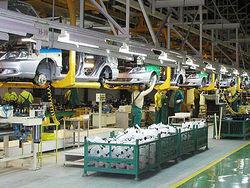 Из-за низкого спроса Volvo и Fiat осенью сократят производство