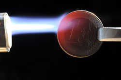 Достигла ли ситуация в ЕС накала обвала курса евро в 2013 году