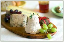 Самый дорогой сыр в мире делают в Сербии - из молока ослицы