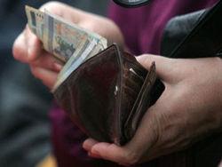 По мнению Лукашенко, минимальная зарплата должна быть не менее 500 долларов