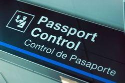 В Узбекистане за безвизовый выезд за границу можно получить 10 лет тюрьмы