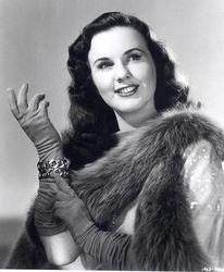 Умерла легенда Голливуда 40-х годов Дина Дурбин