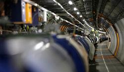 Большой адронный коллайдер приказал долго жить. До 2015 года